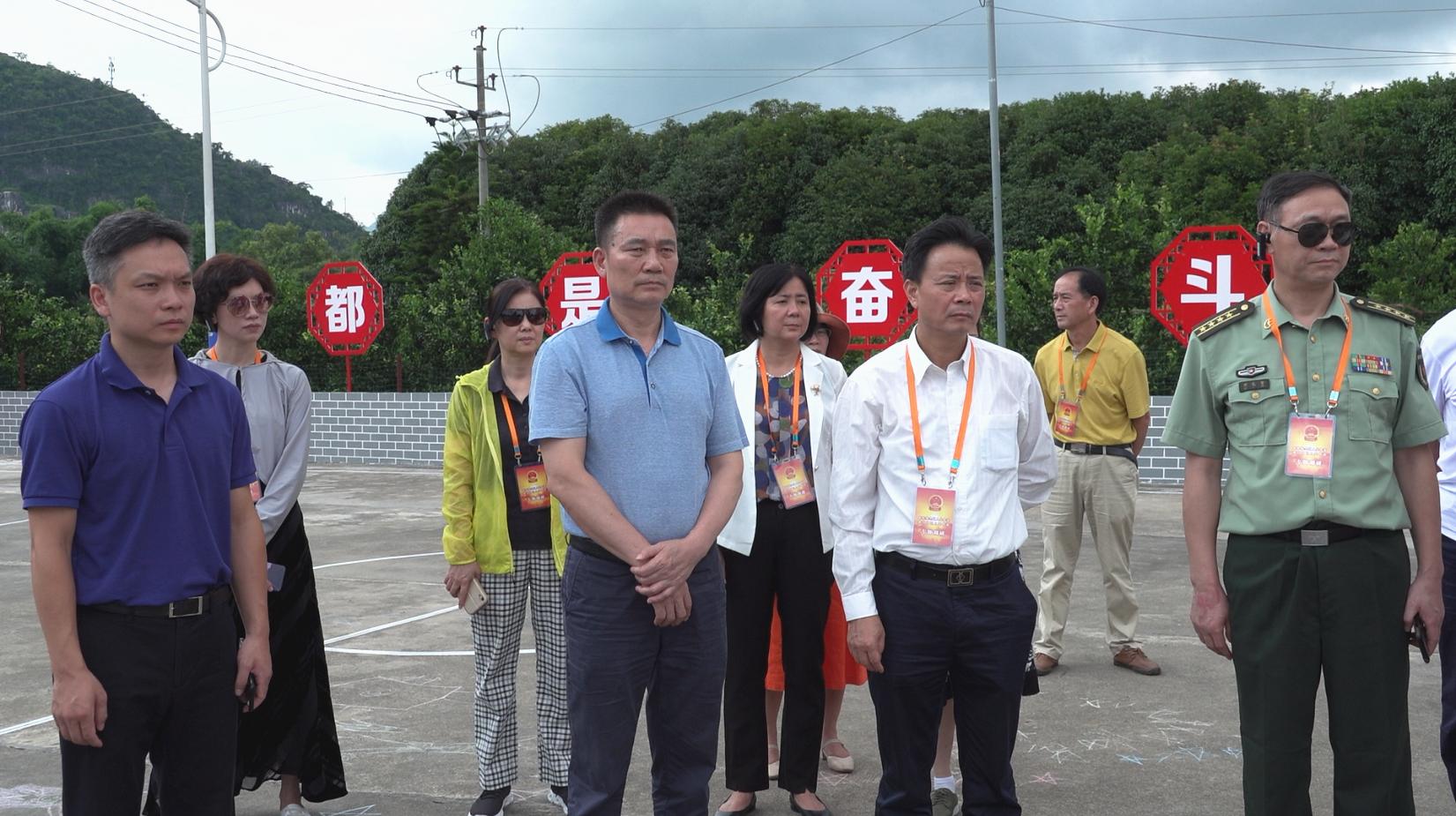 20200729驻桂林全国人大代表和自治区人大代表到七星区开展专题调研 (4).png